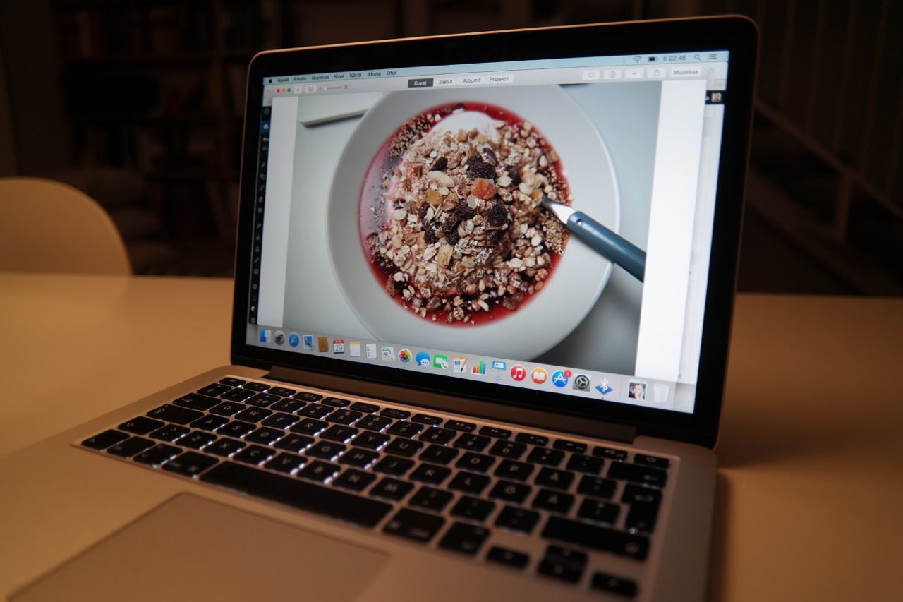 töitä uudella MacBookProlla