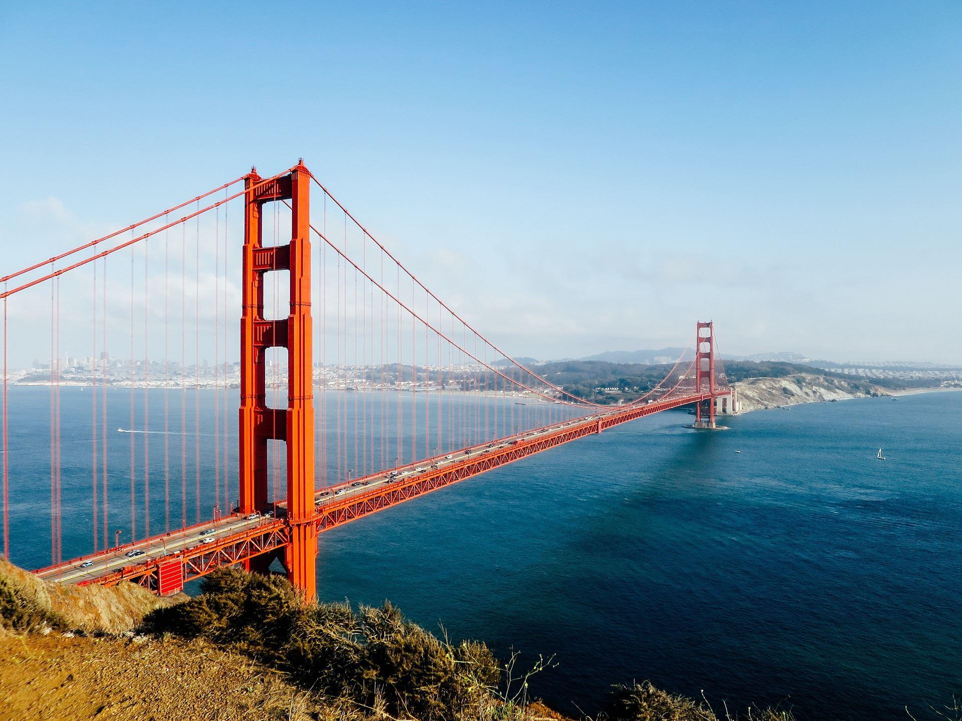 golden-gate-bridge-1031321_1920